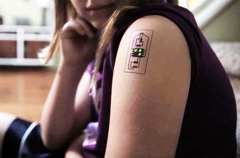 chaotic-moon-biowearables-tattoo-circuits-designboom-011-818x538