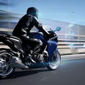 EyeLights, le GPS intégré au casque moto