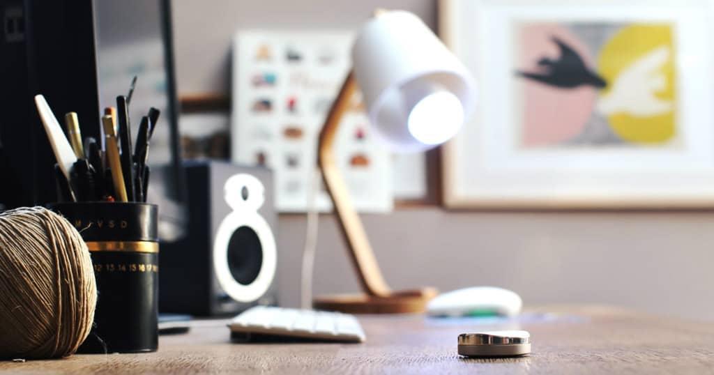 SmartPebble, l'interrupteur sans fil dédié aux ampoules connectées de la gamme AwoX