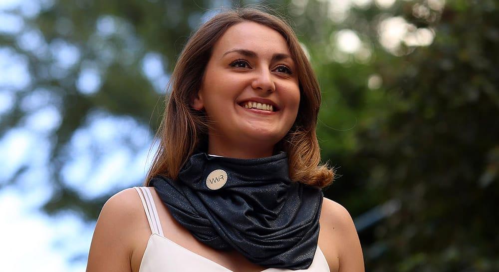 Le foulard connecté anti-pollution