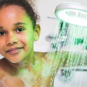 Economisez l'eau avec les pommeaux de douche HYDRAO
