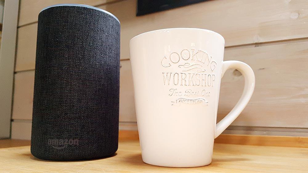 Haute comme 3 pommes : l'enceinte connectée Amazon Echo