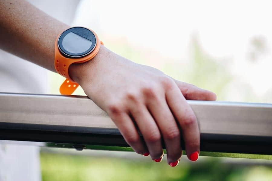 onTrack, les bracelets connectés intuitifs et non intrusifs pour vous guider dans vos trajets à pied, à vélo ou encore à moto