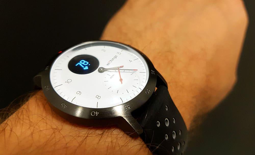 La fréquence cardiaque avec la montre connectée hybride Withings Steel HR Sport