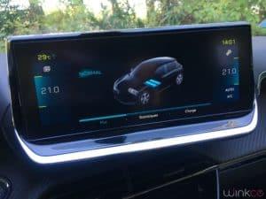 Peugeot e208 - infotainment