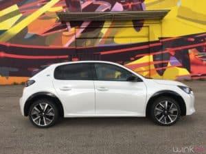 Peugeot e208 - Profil