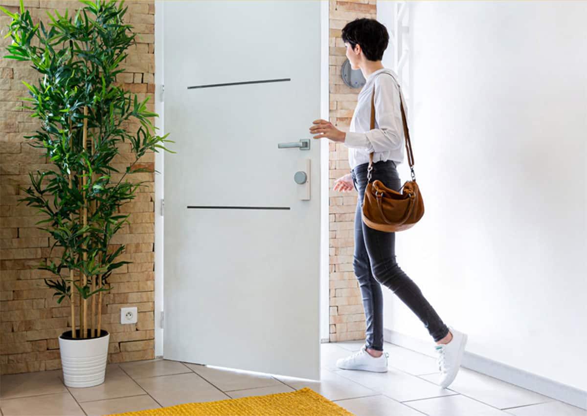 Somfy dévoile Door Keeper, sa motorisation connectée pour serrure
